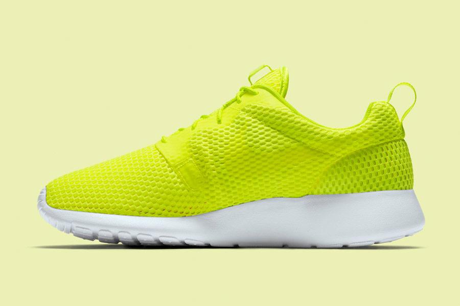 Nike Roshe One Hyper Breathe — pánské tenisky, boty — křiklavě žluto-zelené — běžecké sneakers