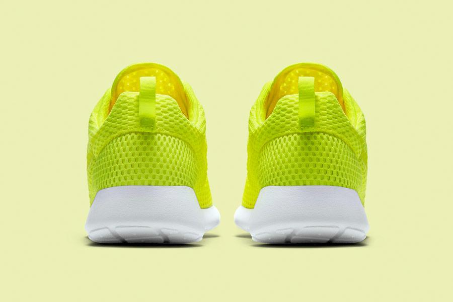 Nike Roshe One Hyper Breathe — zadní pohled — křiklavě žluto-zelené