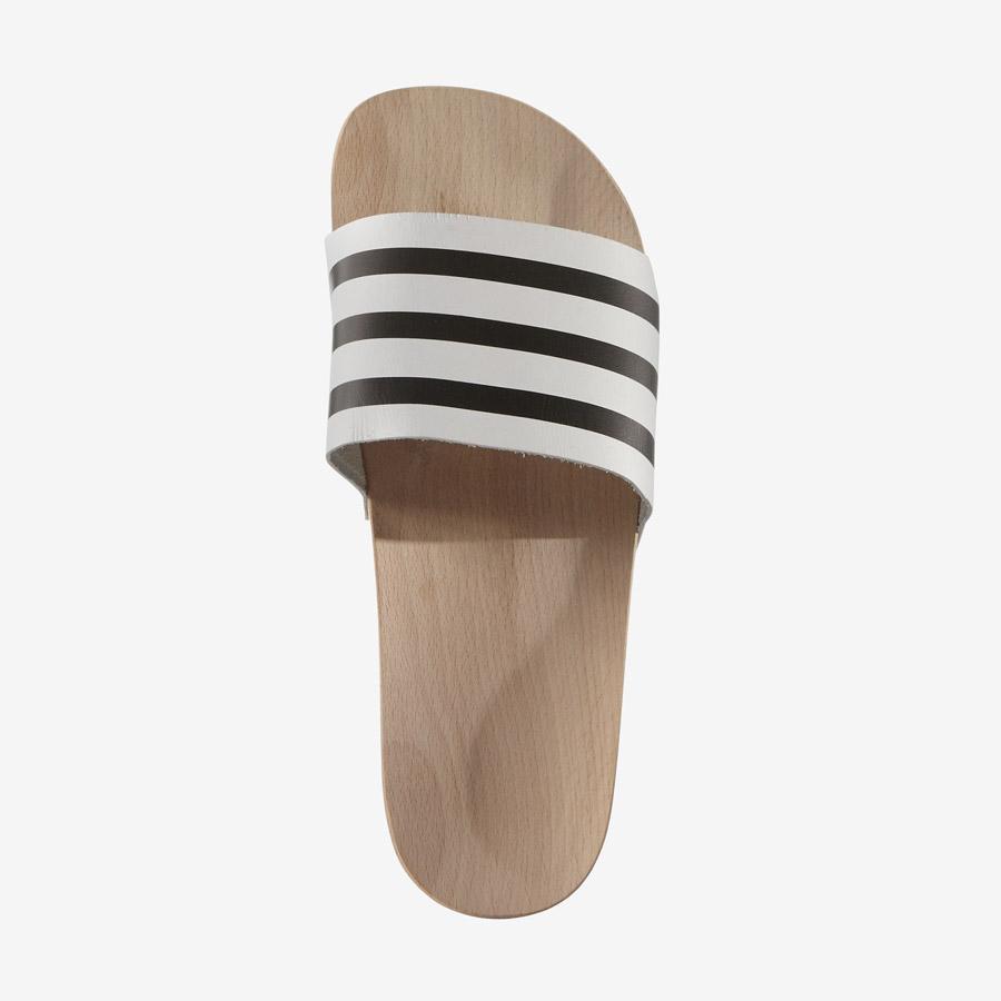 adidas Originals adilette Wood — dřevěné pantofle — dámské nazouváky — černo-bílé — dřeváky