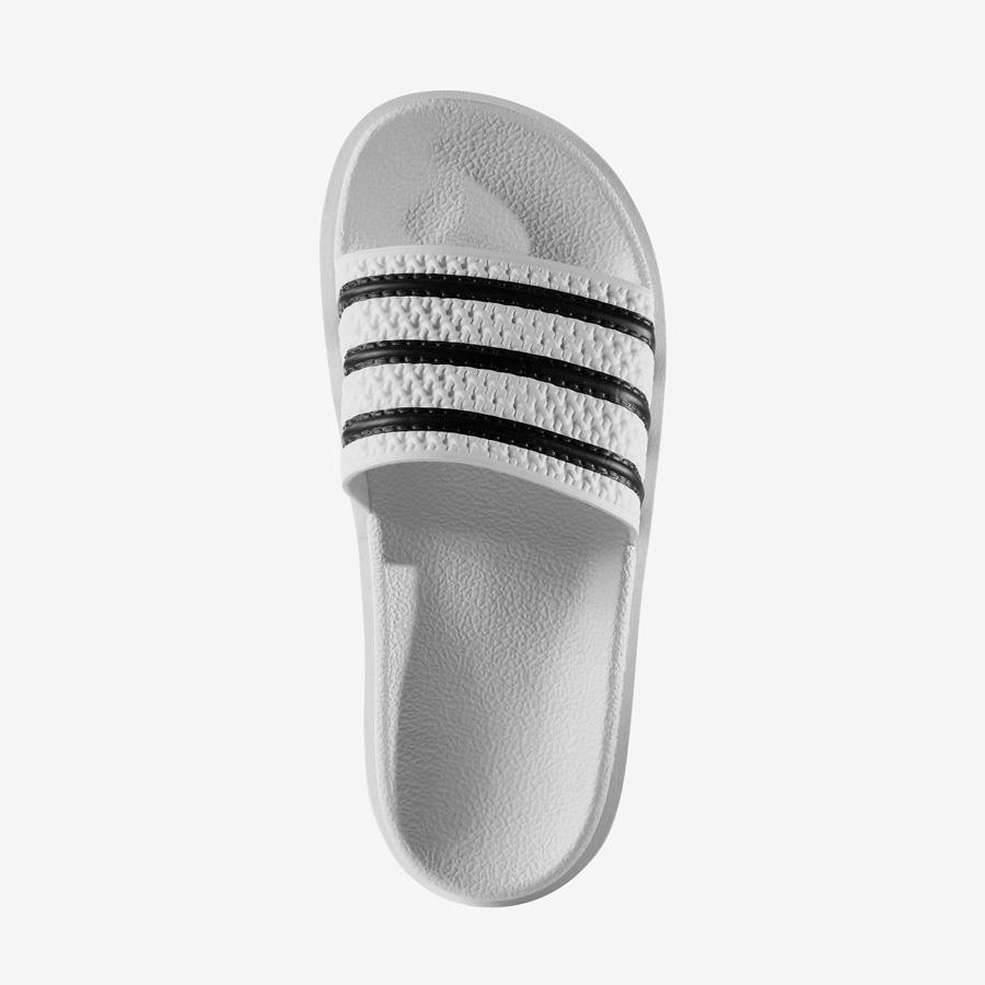 adidas Originals adilette Bold — dámské panttofle na platformě — slides — vysoké nazouváky — bílé