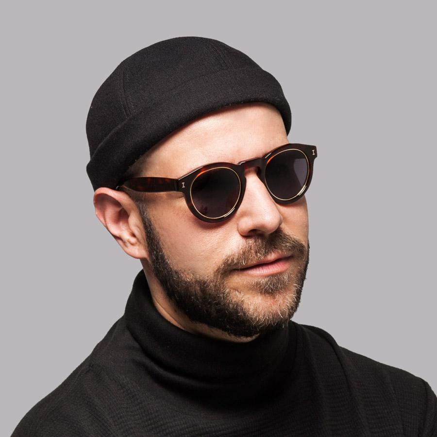 Publish — Addisu Roll Cap — snapback čepice bez kšiltu — černá — plátěná — snapback hat