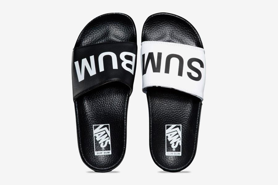 Vans x Summer Bummer — dámské letní pantofle Slide-On Sandals — černé, bílé