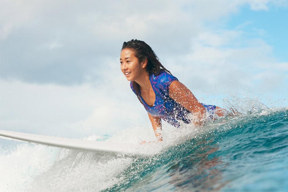 Roxy — jednodílné plavky, dámské — surfařské — modré, palmový motiv — Pop Surf 2016 — Polynesia Springsuit — swimwear