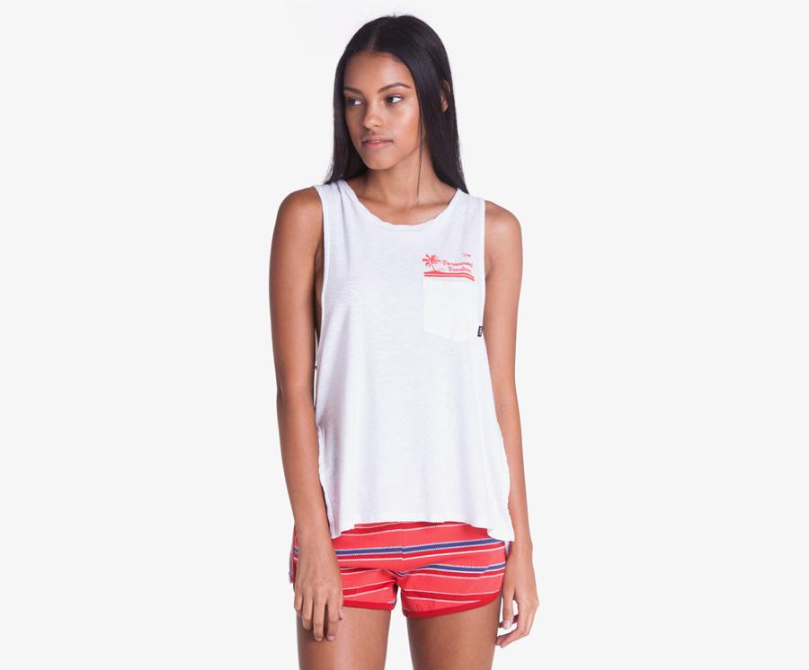 Obey — oranžovo-červené pruhované retro šortky, kraťasy — dámské plandavé tílko, bílé — dámské oblečení — léto 2016