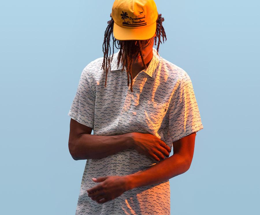 Obey — pánská bílá košile se symboly — krátký rukáv — pánské oblečení — léto 2016