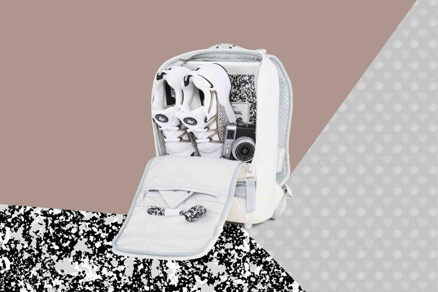 PINQPONQ — plátěný batoh z PET lahví — Cubik Small Popcorn White — bílý
