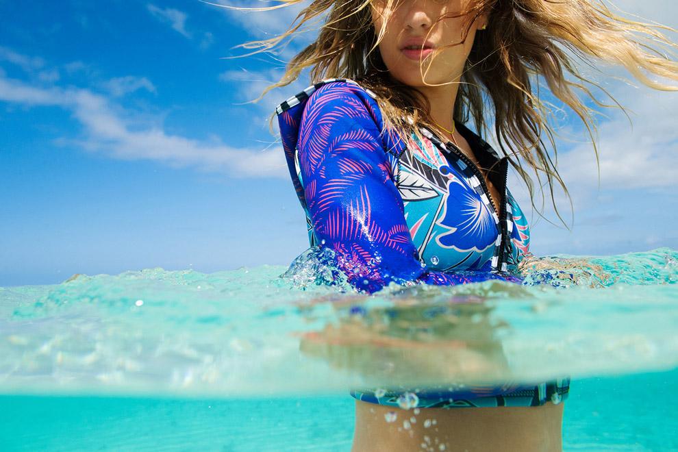 Roxy — dámská surfařská bunda na zip s kapucí — modrá, plážové motivy — Pop Surf 2016 — Polynesia Jacket — swimwear