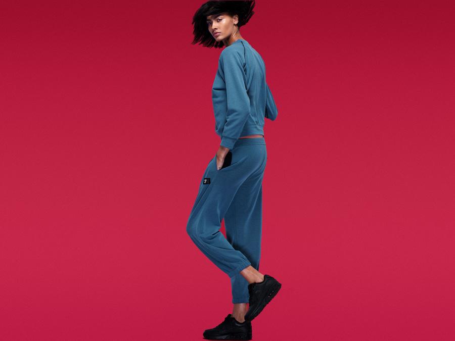 Full Court — dámská modrá tepláková souprava — joggers tepláky, mikina — dámské sportovní oblečení — 2016