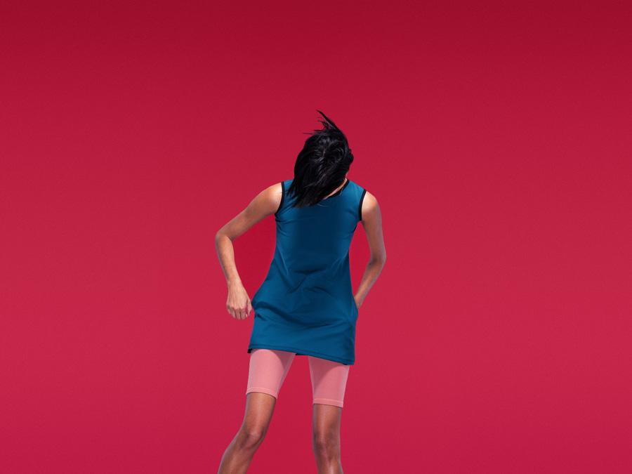 Full Court — dámské modré sportovní šaty — sportovní růžové krátké legíny, šortky — dámské sportovní oblečení — 2016