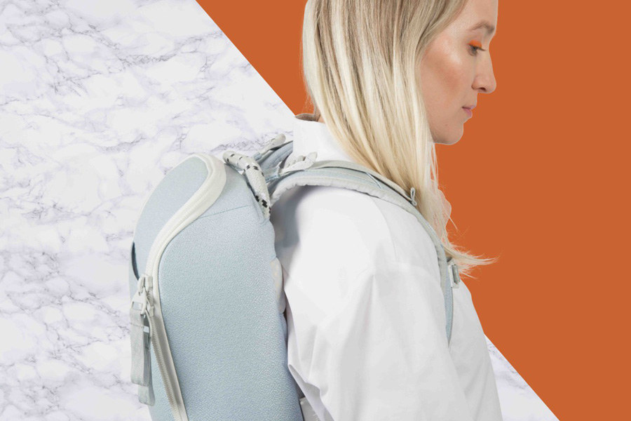 PINQPONQ — plátěný batoh z PET lahví — Cubik Small Danish Blue — světle modrý