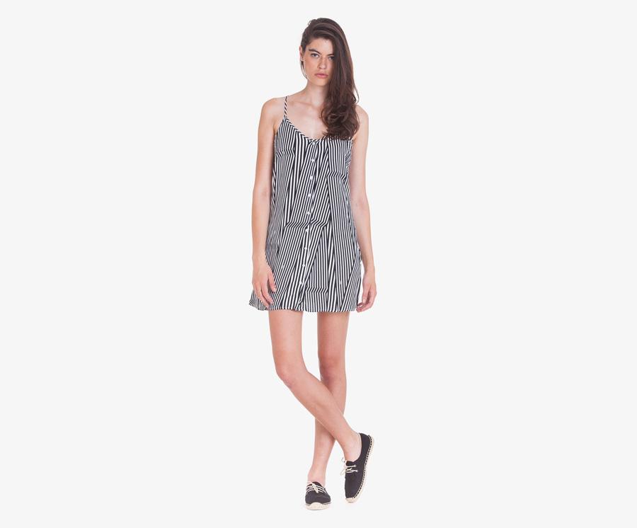 Obey — dámské volné letní šaty s ramínky a knoflíčky — černo-bílé, svisle proužkované — dámské oblečení — léto 2016
