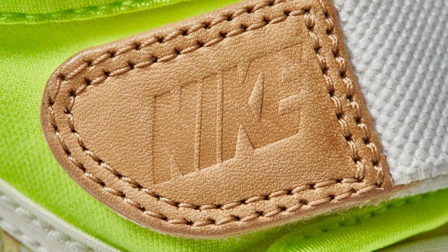 NikeCourt x Liberty Air Rift — boty, tenisky — dámské — bílé — barevný rostlinný vzor