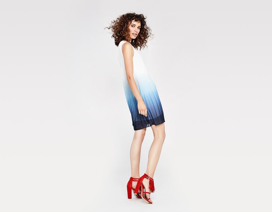 Alchymi — dámské letní šaty — lehké, plisované — bílo-modré, modro-bílé, gradient, ombré — Rubinola