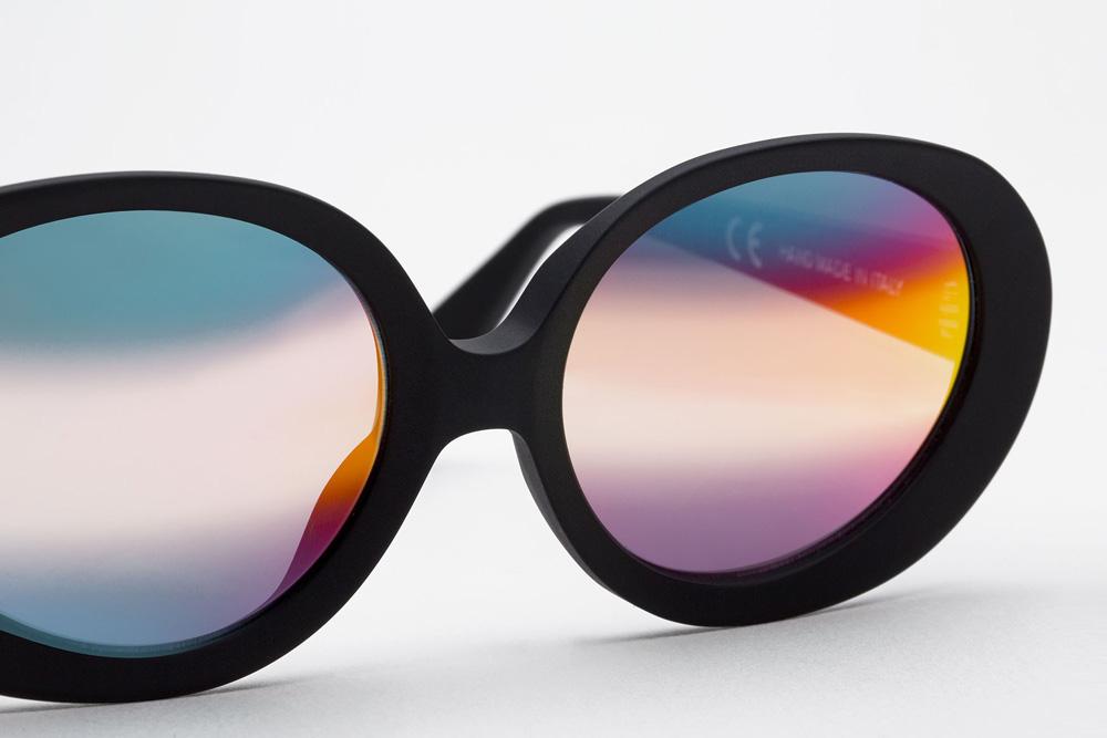 RETROSUPERFUTURE® — dámské sluneční brýle s duhovými skly — černé obroučky