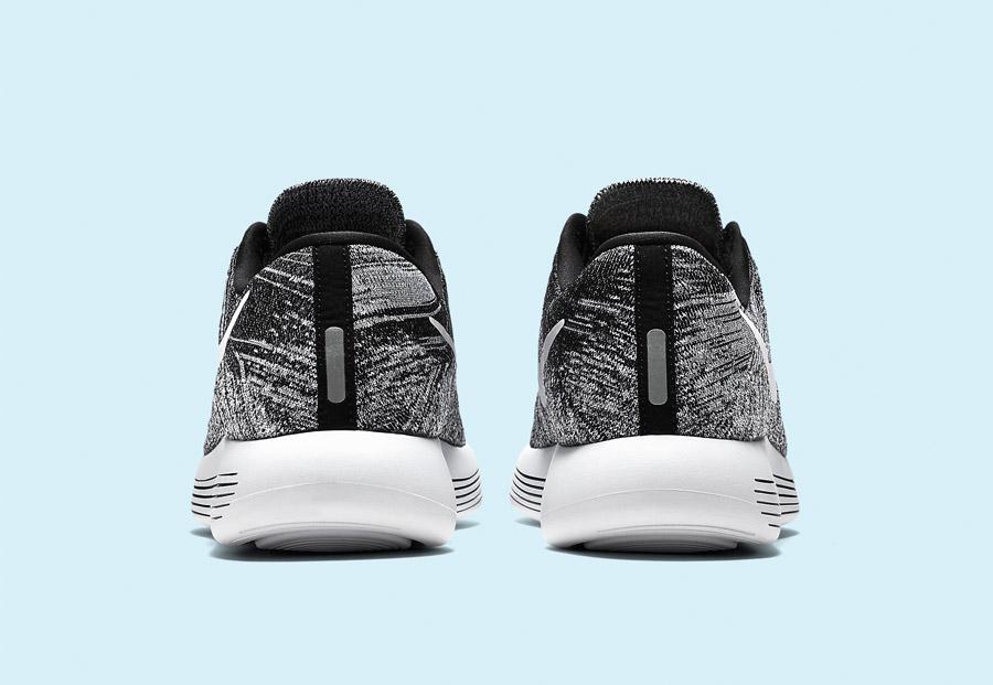 Nike LunarEpic Low Flyknit — pánské běžecké boty — tenisky — černé, bílé — zadní pohled