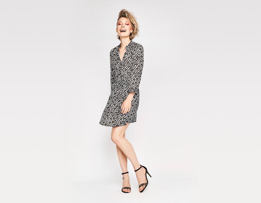 Alchymi — dámské letní šaty — s knoflíčky ve výstřihu — vzorované, černé, béžové — Atria