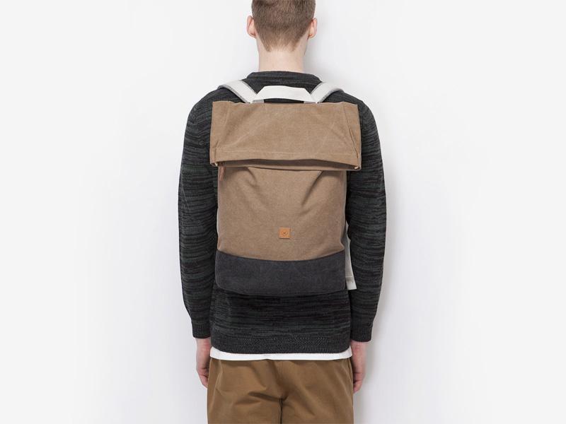 Ucon Acrobatics — plátěný batoh — béžový — Karlo — přehýbací vstup — fold top — stylový batoh