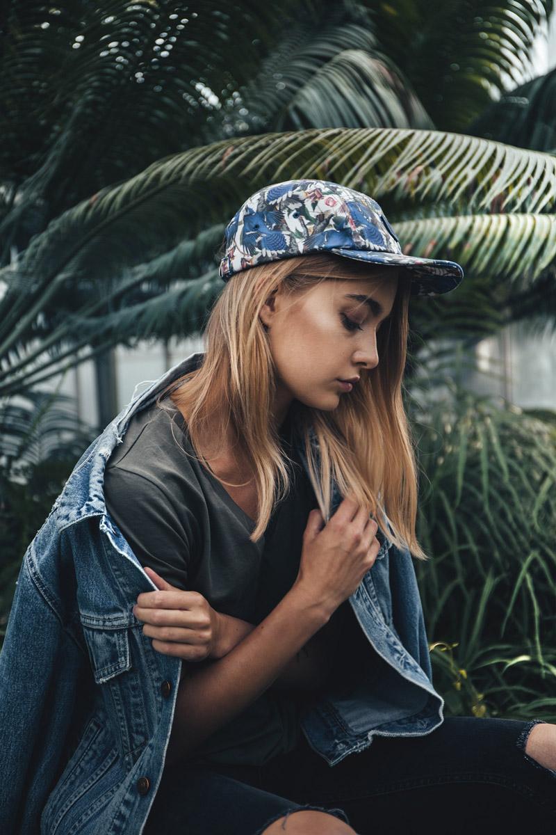 Paris+Hendzel — kšiltovka — snapback — modrá, barevná — pětipanelka — 5 panel — rostlinné motivy — Industrial Plants — Blue Jay