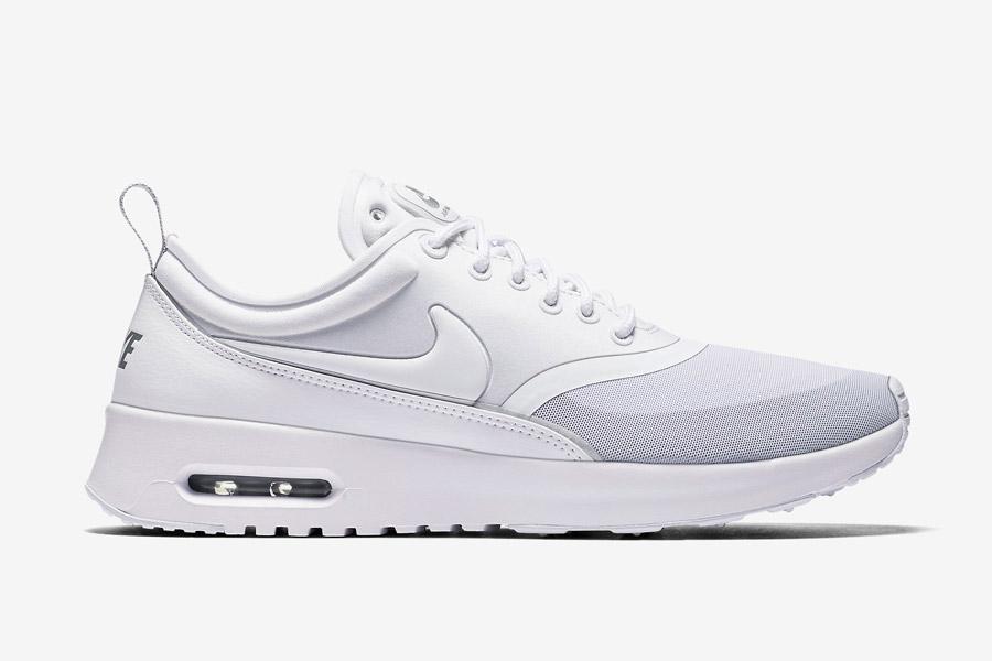 Nike Air Max Thea Ultra — dámské boty — tenisky — sneakers — bílé