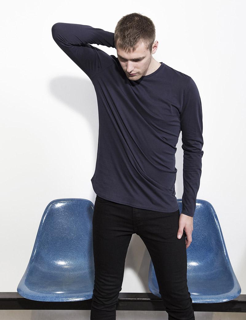 RVLT — Revolution — pánskémodré tričko s dlouhým rukávem — černé skinny fit kalhoty — podzim/zima 2016