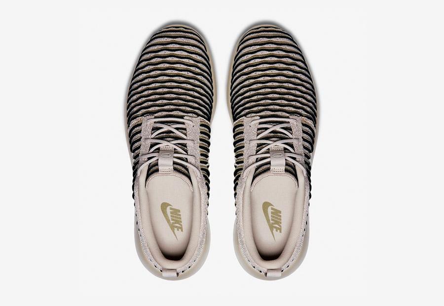 Nike Roshe Two Flyknit — boty — horní pohled — béžové, pískové — Nike Roshe Run
