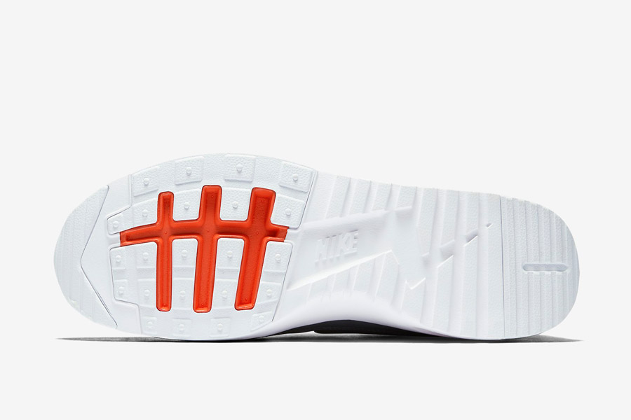Nike Air Max Thea Ultra — dámské boty — černé, oranžové a šedé detaily