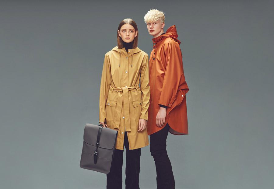 Rains — pláště, batohy a tašky do deště — podzim/zima — 2016
