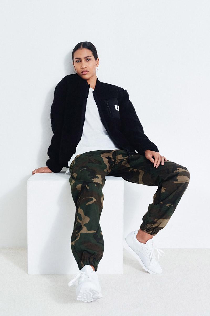 Carhartt WIP — dámský černý bomber — maskáčové kalhoty joggers, dámské