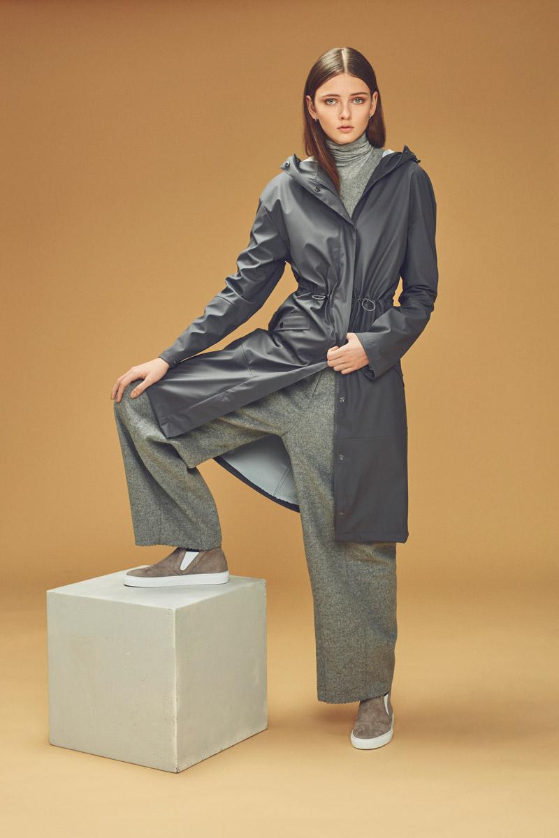 Rains — dámský pršiplášť s kapucí — šedý — plášt do deště — pláštěnka — podzim/zima 2016 — lookbook