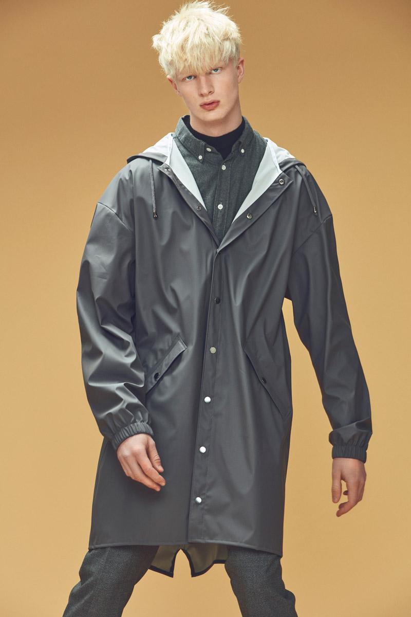 Rains — pánský pršiplášť s kapucí — šedý — plášt do deště — pláštěnka — podzim/zima 2016 — lookbook