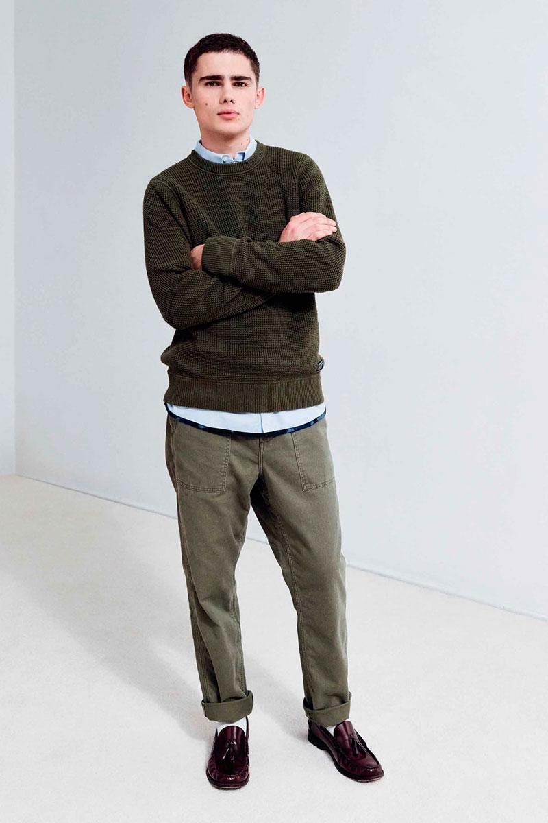 Carhartt WIP — tmavě zelený pánský svetr — šedo-zelené kalhoty
