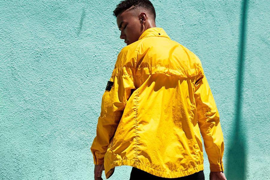 NikeLab Windrunner x Stone Island — pánská bunda — nepromokavá větrovka s kapucí — žlutá — windbreaker