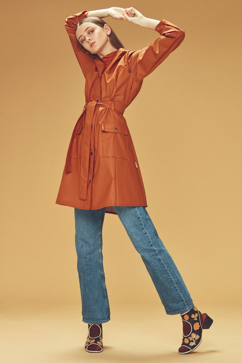 Rains — plášt do deště — oranžový, červený — dámský pršiplášť s kapucí — pláštěnka — podzim/zima 2016 — lookbook