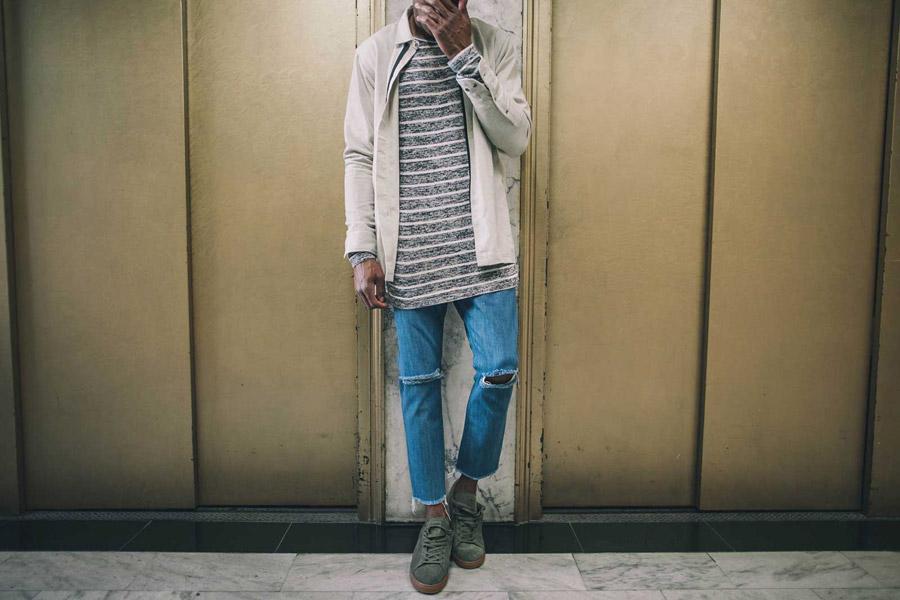 FairPlay — pánský dlouhý pruhovaný svetr — podzimní bunda s límečkem, šedo-bílá