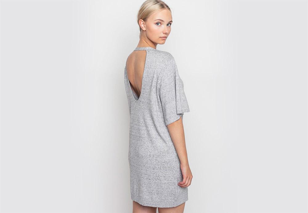 mbyM — šedé melírové šaty — dlouhé — zadní výstřih