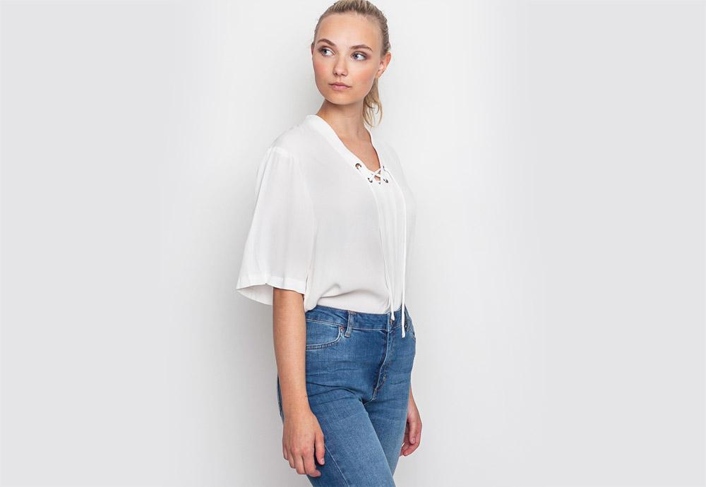 mbyM — dámská halenka — bílá — se šňůrkou ve výstřihu — top
