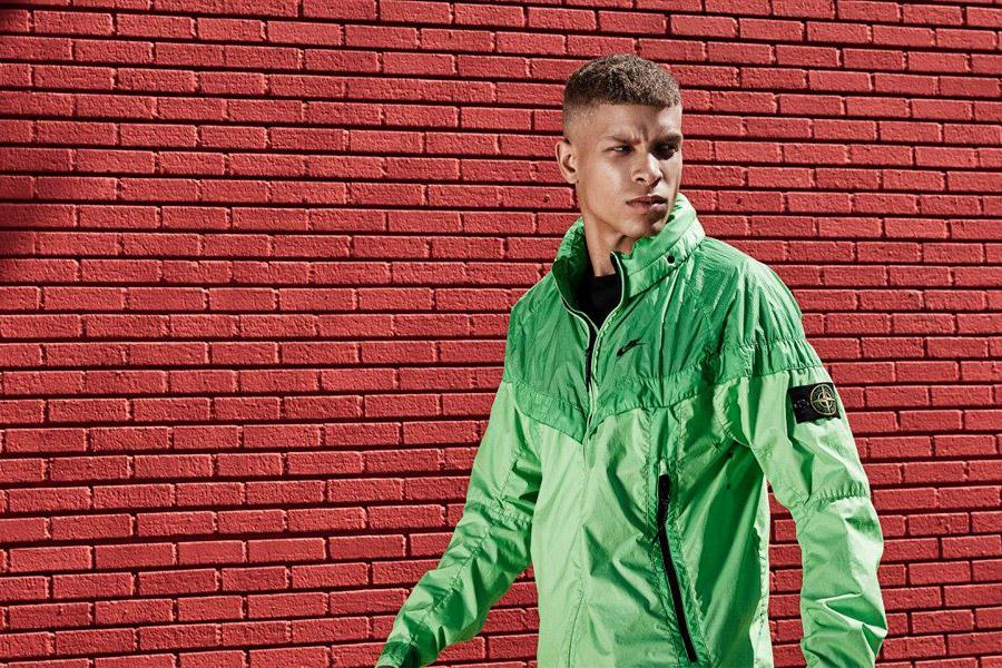 NikeLab Windrunner x Stone Island — pánská bunda — nepromokavá větrovka s kapucí — zelená — windbreaker