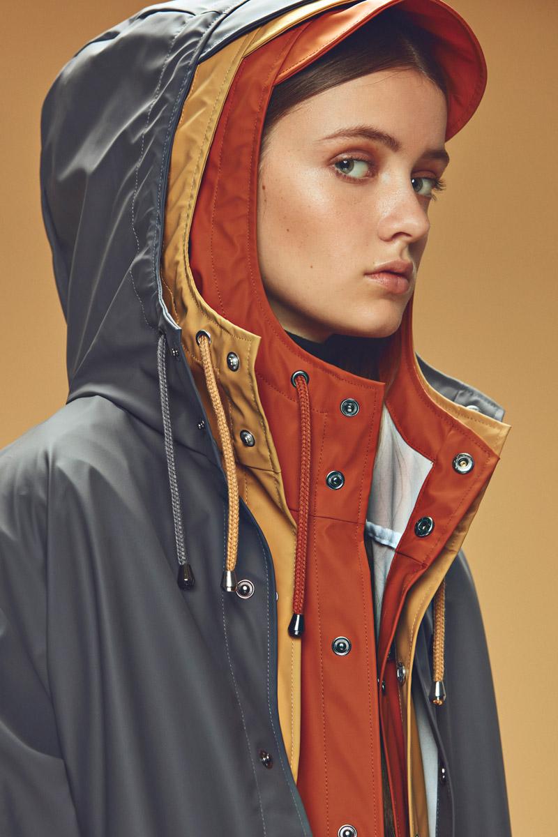 Rains — pršipláště s kapucí — pláště do deště — pláštěnky — dámské — podzim/zima 2016 — lookbook