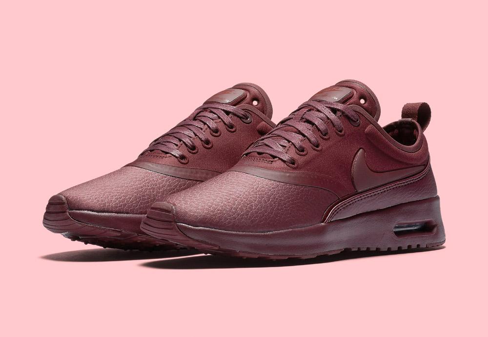 Nike Air Max Thea Ultra Premium — dámské boty — tenisky — sneakers — vínové — červené