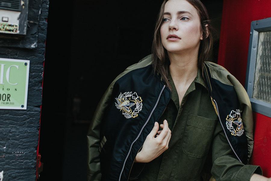 Alpha Industries — dámský bomber — černo-zelený — bunda do pasu — podzim/zima 2016