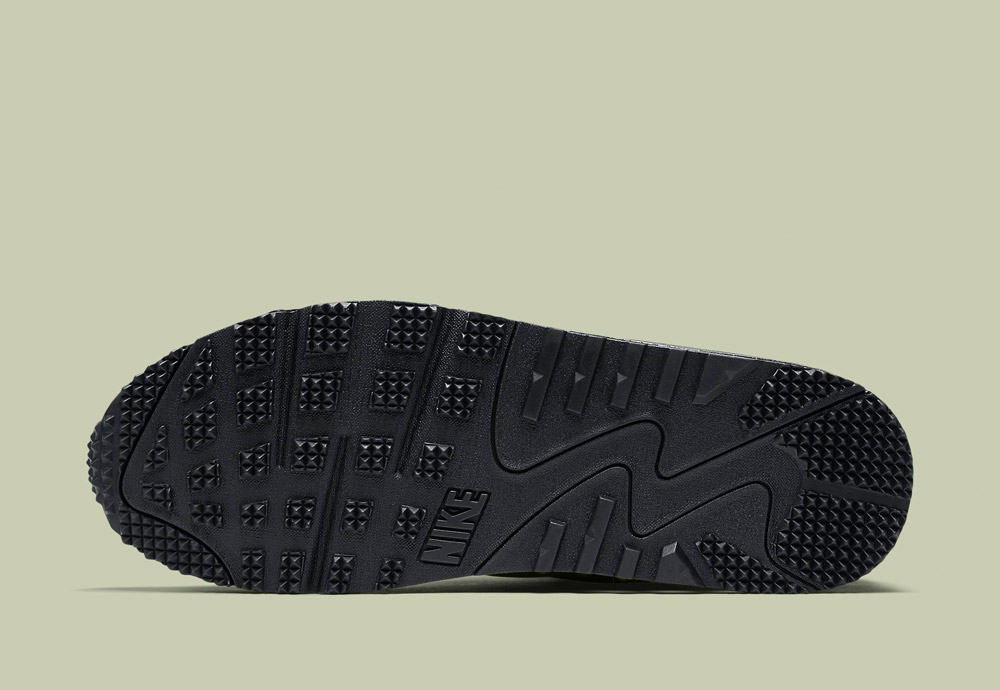 Nike Air Max 90 Mid Winter — černá podrážka