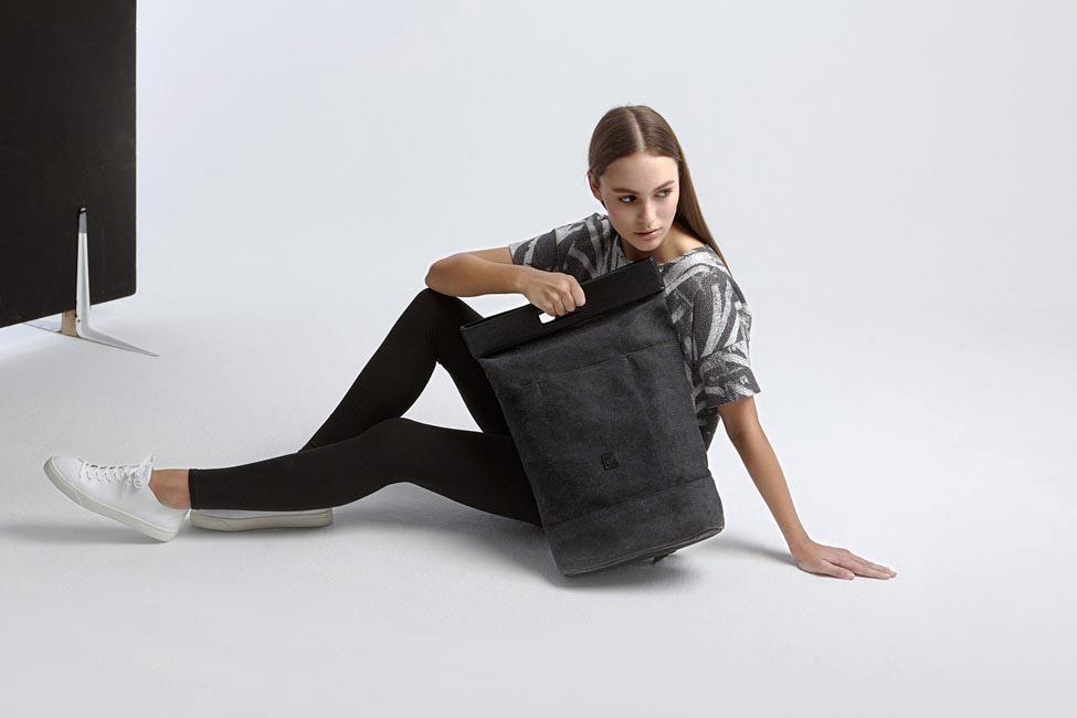 Ucon Acrobatics — šedý batoh — taška do ruky, přes rameno