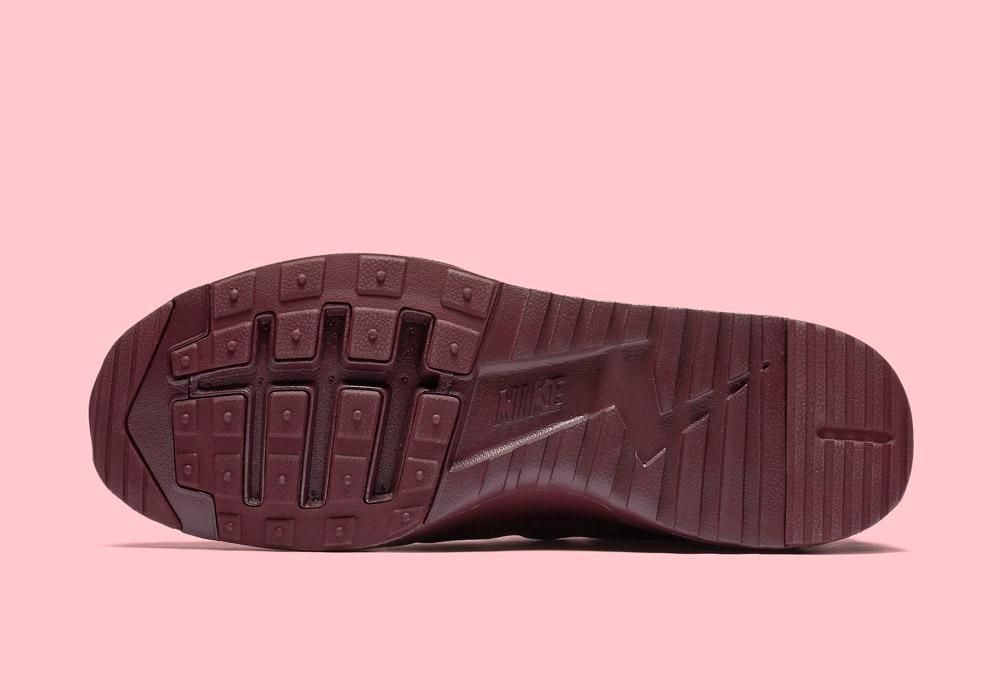 Nike Air Max Thea Ultra Premium — dámské boty — tenisky — sneakers — podrážka