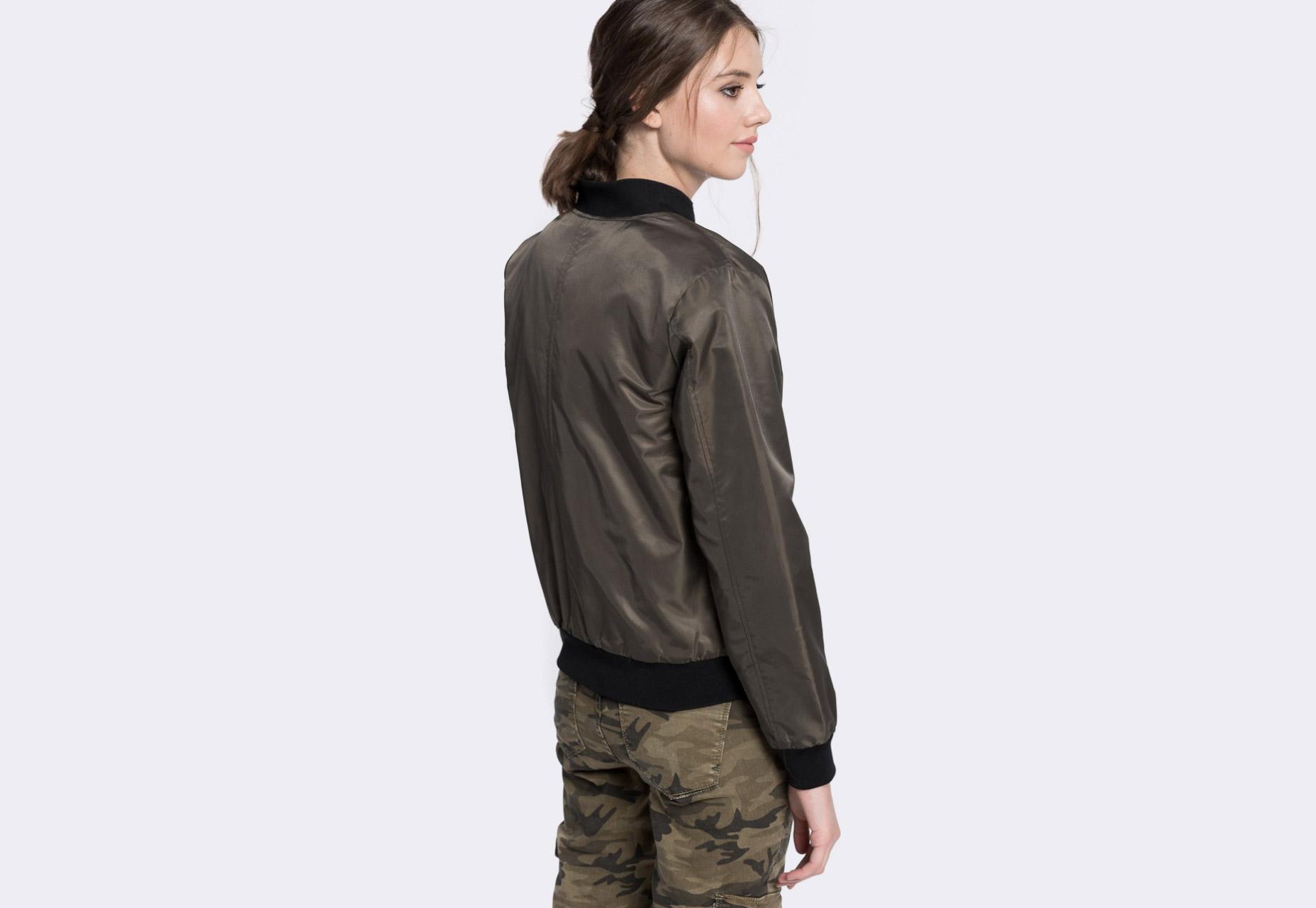 Medicine — dámský bomber — tmavě zelený (army green) — zateplený — bomber jacket — dámská bunda do pasu