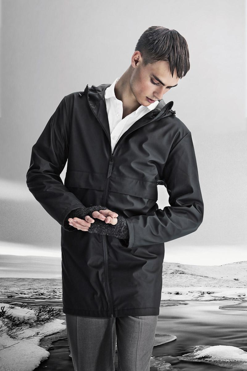 Rains — pánská nepromokavá bunda s kapucí — černá — pršiplášťě — bunda do deště
