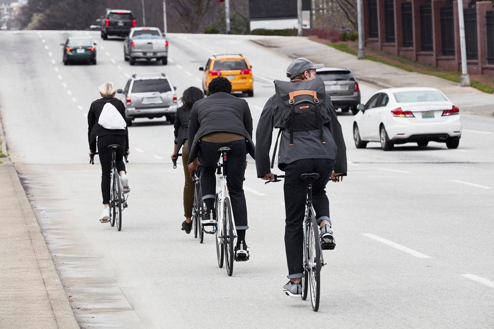 Levi's Commuter — cyklistické oblečení do města — kalhoty, bundy — pánské, dámské — podzim 2016