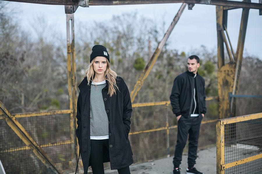 Iriedaily — dámský černý trenčkot — trench coat, plášť — podzim/zima 2016