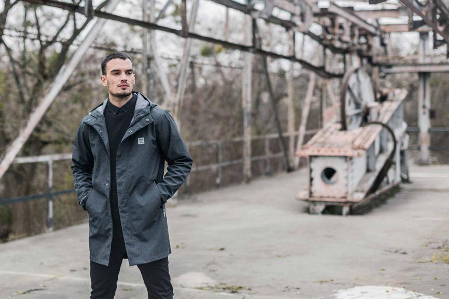 Iriedaily — pánská podzimní bunda s kapucí, dlouhá — šedá parka — podzim/zima 2016