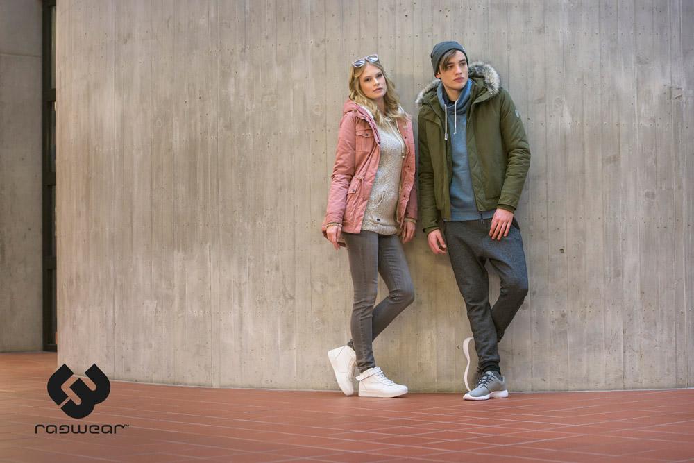 Ragwear — pánský zelený bomber s kapucí a kožíškem — krátká zimní bunda do pasu — dámská růžová zimní bunda s kapucí — podzim/zima 2016