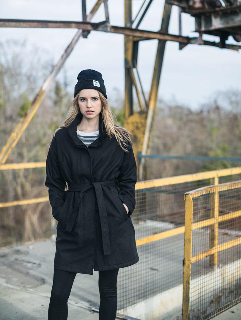 Iriedaily — dámský černý trench coat — trenčkot, plášť — podzim/zima 2016